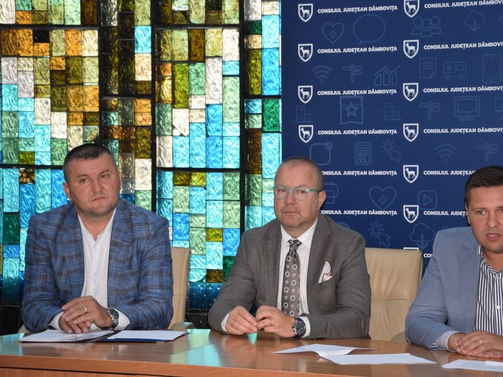 https://www.cjd.ro/storage/comunicate-de-presa/02-09-2021/4955/alte-5-proiecte-in-domeniile-social-tineret-sport-educatie-civica-beneficiaza-de-astazi-de-finantare-nerambursabila-din-bugetul-judetului-12.JPG