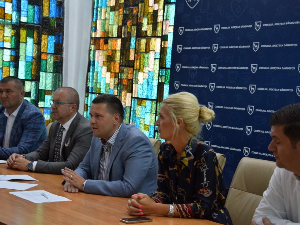 https://www.cjd.ro/storage/comunicate-de-presa/02-09-2021/4955/alte-5-proiecte-in-domeniile-social-tineret-sport-educatie-civica-beneficiaza-de-astazi-de-finantare-nerambursabila-din-bugetul-judetului-13.JPG