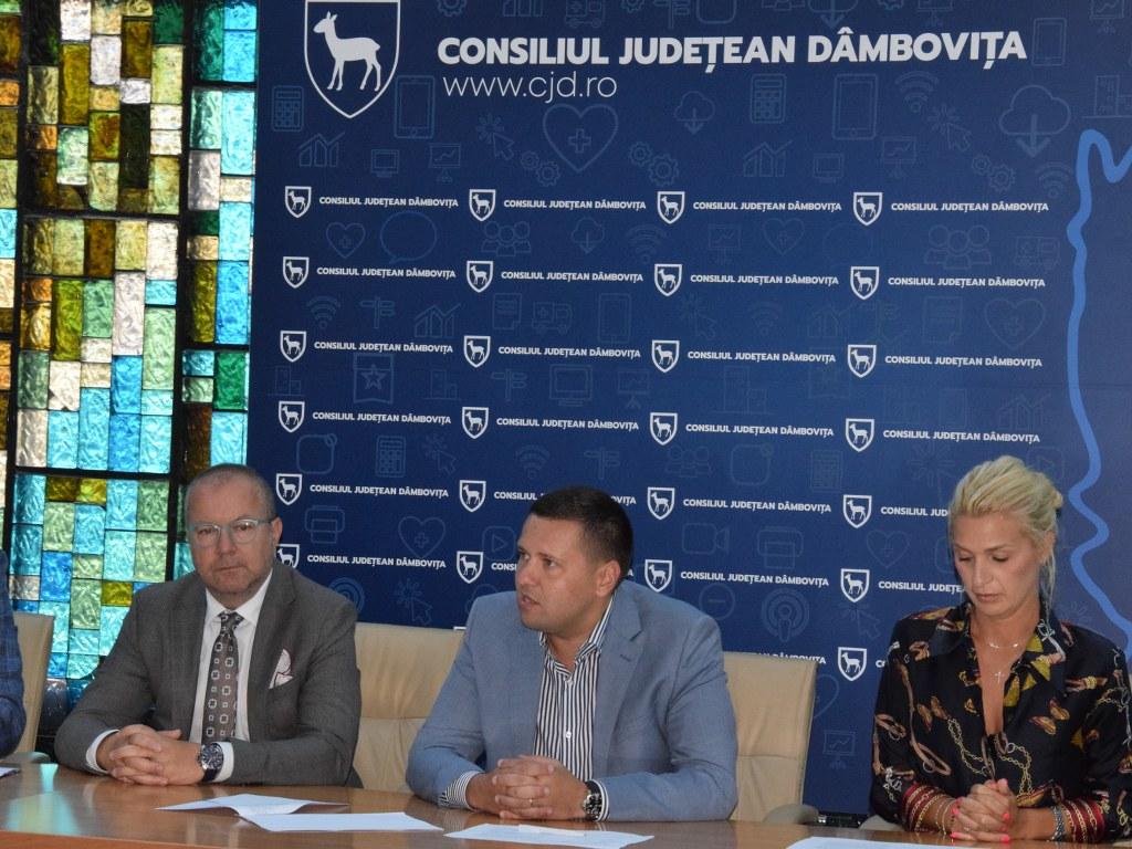 https://www.cjd.ro/storage/comunicate-de-presa/02-09-2021/4955/alte-5-proiecte-in-domeniile-social-tineret-sport-educatie-civica-beneficiaza-de-astazi-de-finantare-nerambursabila-din-bugetul-judetului-15.JPG
