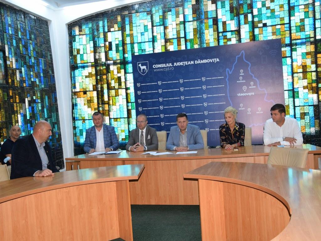 https://www.cjd.ro/storage/comunicate-de-presa/02-09-2021/4955/alte-5-proiecte-in-domeniile-social-tineret-sport-educatie-civica-beneficiaza-de-astazi-de-finantare-nerambursabila-din-bugetul-judetului-8.JPG