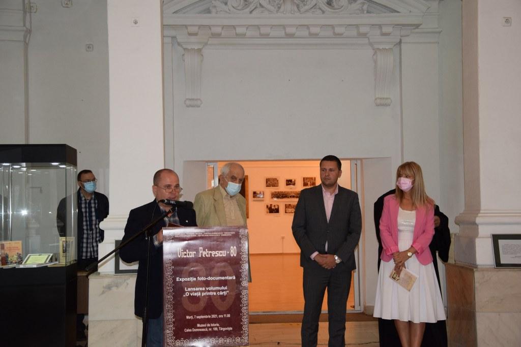 https://www.cjd.ro/storage/comunicate-de-presa/07-09-2021/4957/victor-petrescu-80-eveniment-aniversar-gazduit-de-muzeul-de-istorie-15.JPG