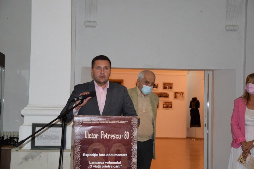 https://www.cjd.ro/storage/comunicate-de-presa/07-09-2021/4957/victor-petrescu-80-eveniment-aniversar-gazduit-de-muzeul-de-istorie-16.JPG