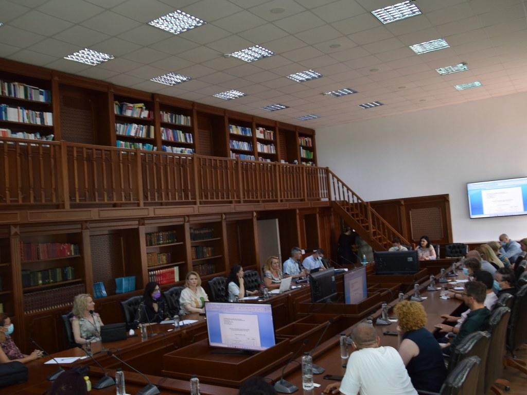 https://www.cjd.ro/storage/comunicate-de-presa/09-07-2021/4933/consultari-cu-privire-la-programele-de-studii-de-licenta-si-masterat-la-universitatea-valahia-din-targoviste-19.JPG