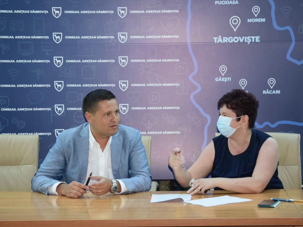 https://www.cjd.ro/storage/comunicate-de-presa/16-07-2021/4936/finantari-nerambursabile-pentru-12-proiecte-in-domeniile-sport-educatie-civica-social-si-tineret-11.JPG