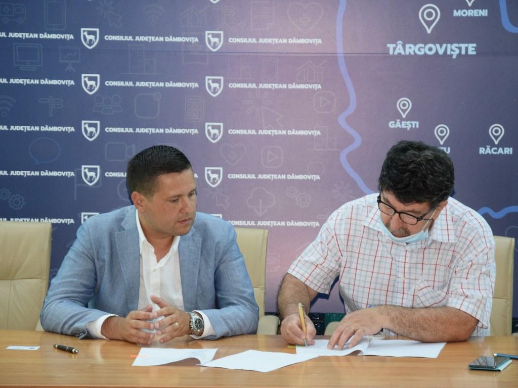https://www.cjd.ro/storage/comunicate-de-presa/16-07-2021/4936/finantari-nerambursabile-pentru-12-proiecte-in-domeniile-sport-educatie-civica-social-si-tineret-16.JPG