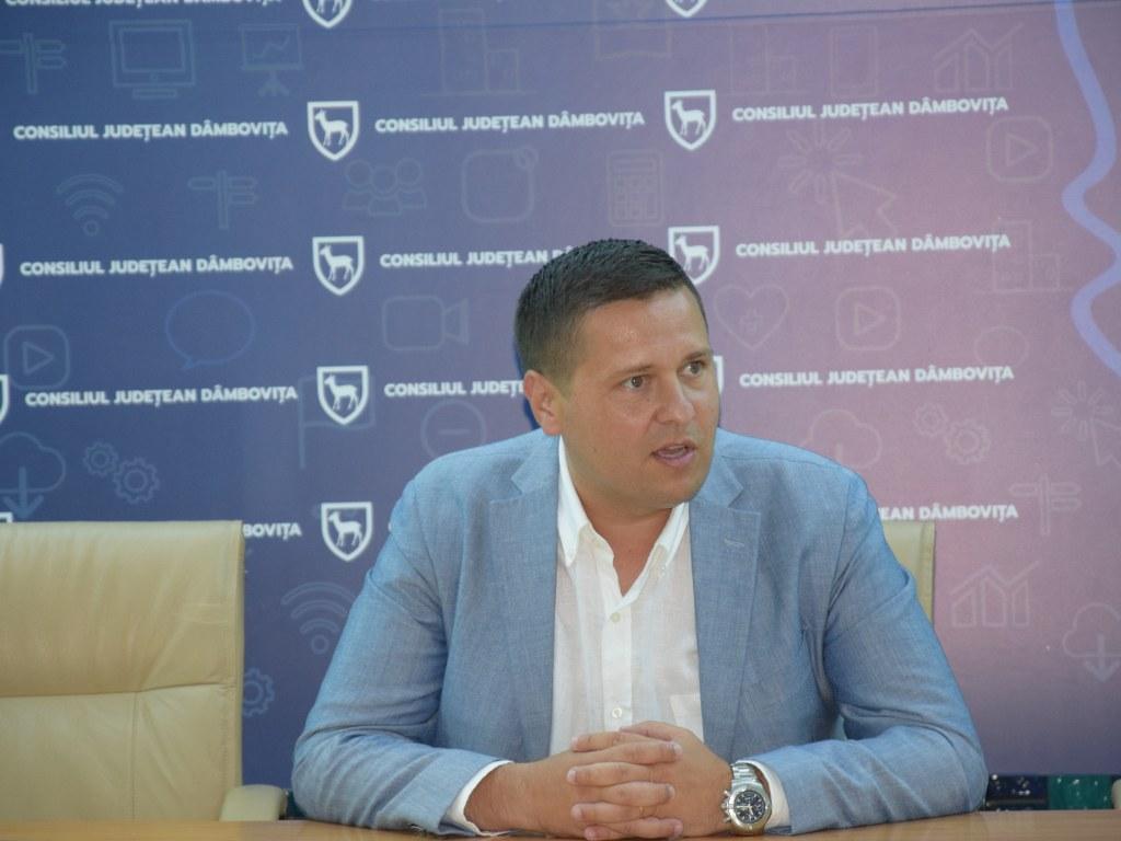 https://www.cjd.ro/storage/comunicate-de-presa/16-07-2021/4936/finantari-nerambursabile-pentru-12-proiecte-in-domeniile-sport-educatie-civica-social-si-tineret-4.JPG