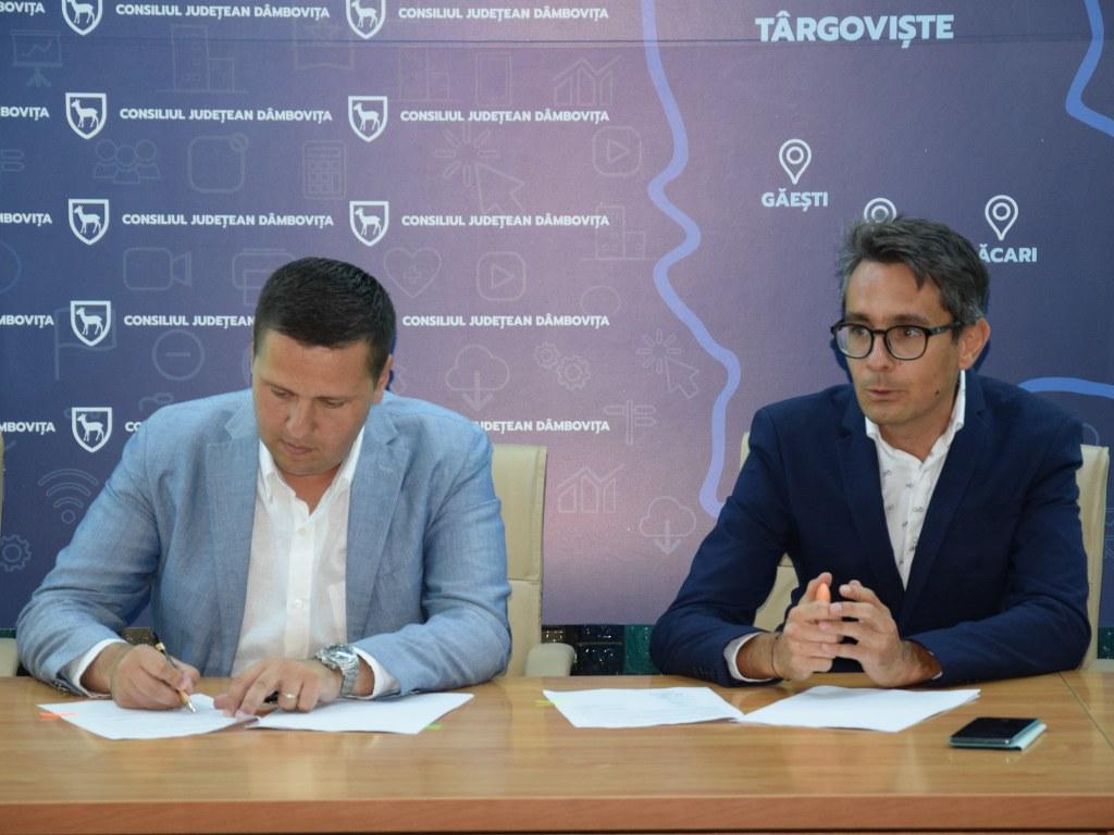 https://www.cjd.ro/storage/comunicate-de-presa/16-07-2021/4936/finantari-nerambursabile-pentru-12-proiecte-in-domeniile-sport-educatie-civica-social-si-tineret-7.JPG