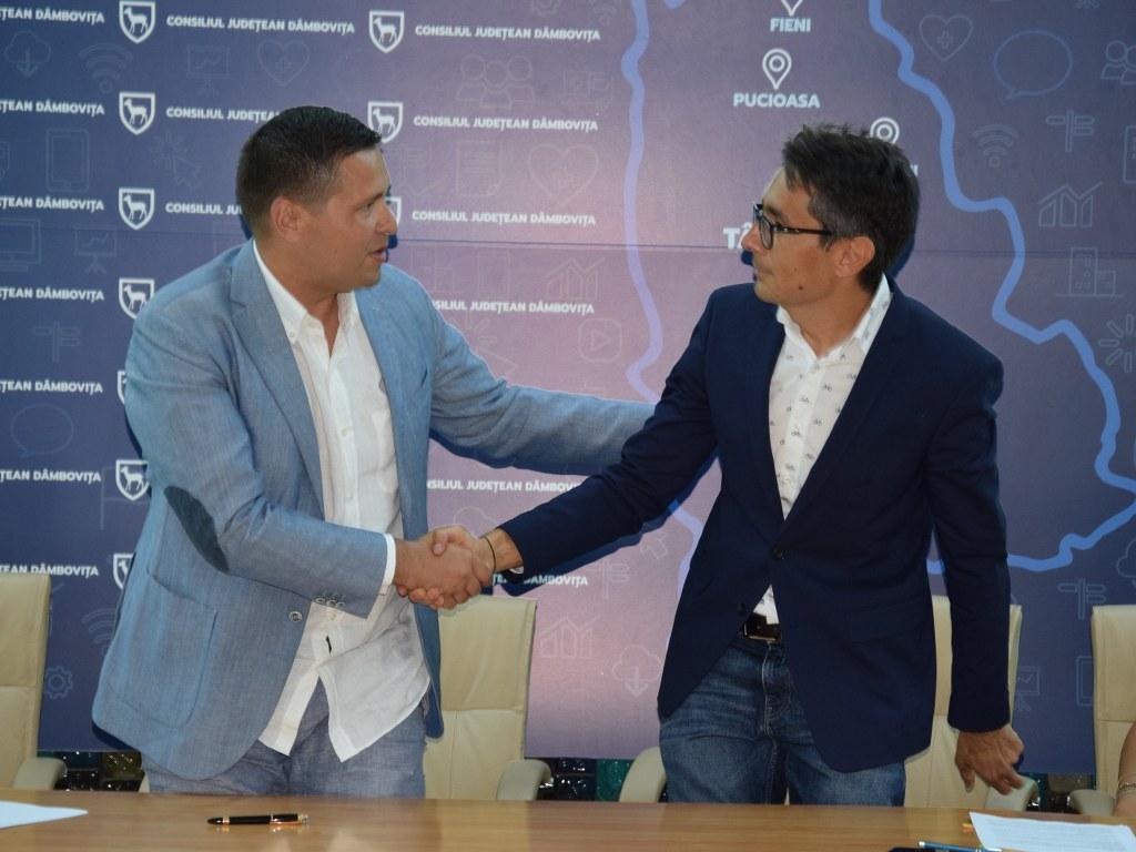https://www.cjd.ro/storage/comunicate-de-presa/16-07-2021/4936/finantari-nerambursabile-pentru-12-proiecte-in-domeniile-sport-educatie-civica-social-si-tineret-8.JPG