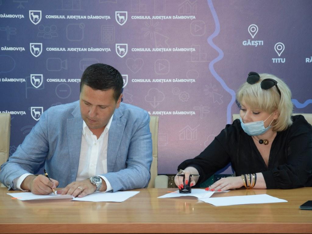 https://www.cjd.ro/storage/comunicate-de-presa/16-07-2021/4936/finantari-nerambursabile-pentru-12-proiecte-in-domeniile-sport-educatie-civica-social-si-tineret-9.JPG