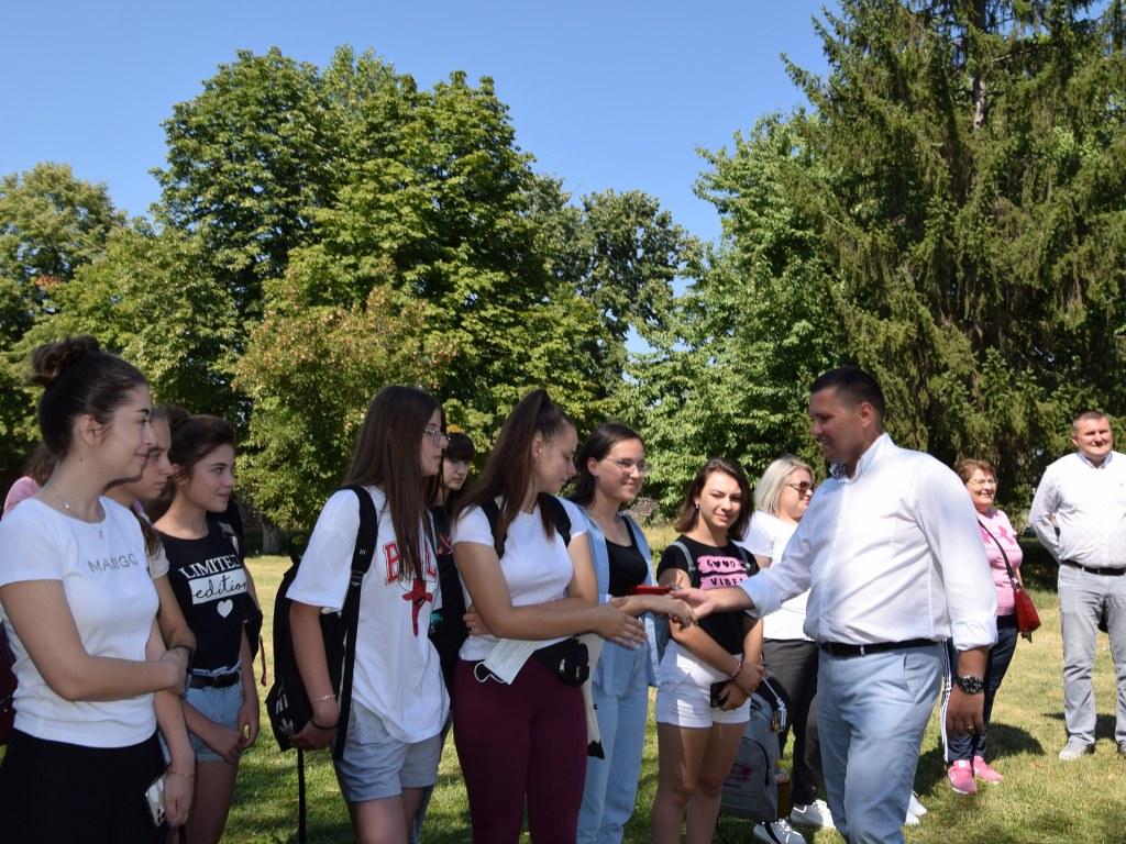 https://www.cjd.ro/storage/comunicate-de-presa/17-08-2021/4946/50-de-copii-din-raionul-ialoveni-republica-moldova-se-afla-in-tabara-in-judetul-nostru-5.JPG