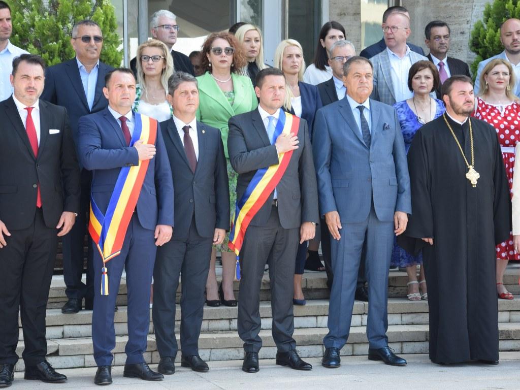 https://www.cjd.ro/storage/comunicate-de-presa/26-06-2021/4925/ziua-drapelului-national-la-targoviste-25.JPG