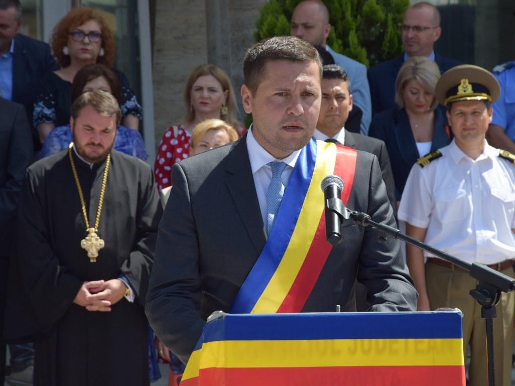 https://www.cjd.ro/storage/comunicate-de-presa/26-06-2021/4925/ziua-drapelului-national-la-targoviste-31.JPG