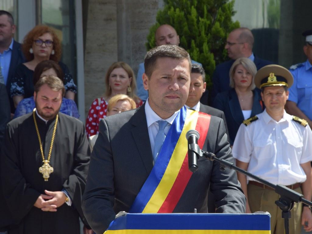 https://www.cjd.ro/storage/comunicate-de-presa/26-06-2021/4925/ziua-drapelului-national-la-targoviste-32.JPG