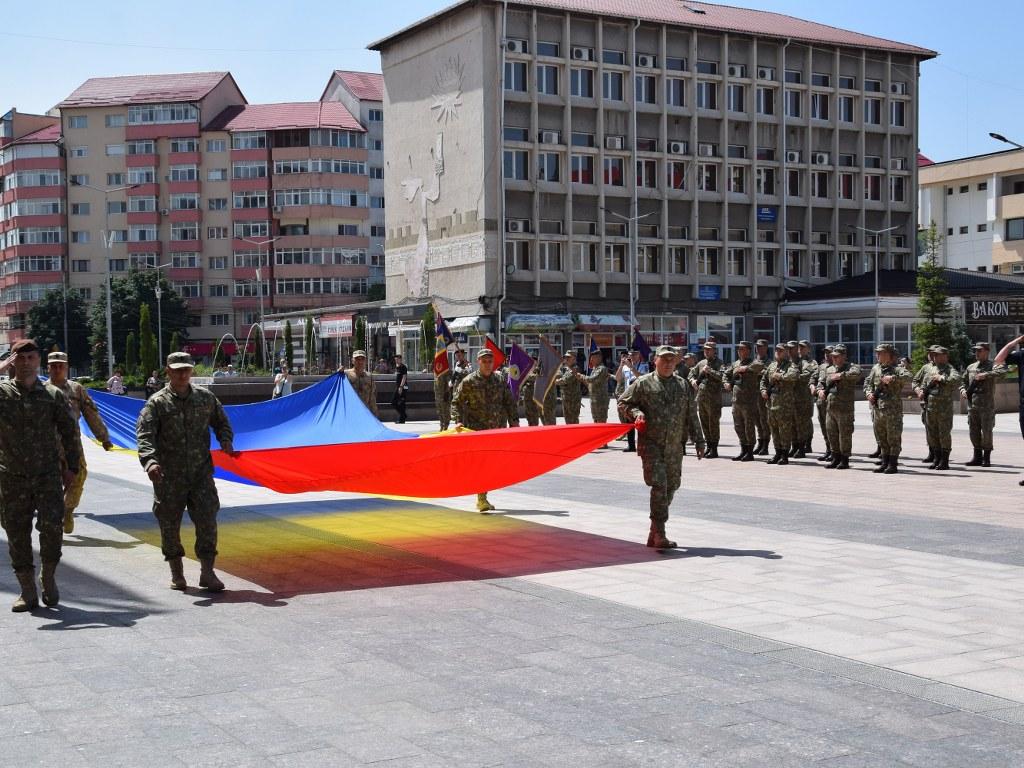 https://www.cjd.ro/storage/comunicate-de-presa/26-06-2021/4925/ziua-drapelului-national-la-targoviste-35.JPG