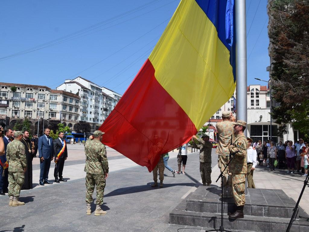 https://www.cjd.ro/storage/comunicate-de-presa/26-06-2021/4925/ziua-drapelului-national-la-targoviste-43.JPG