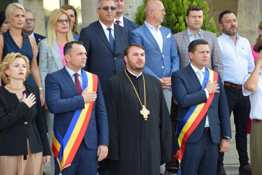 https://www.cjd.ro/storage/comunicate-de-presa/29-07-2021/4941/imnul-national-a-rasunat-astazi-29-iulie-2021-in-piata-tricolorului-din-municipiul-targoviste-1.JPG