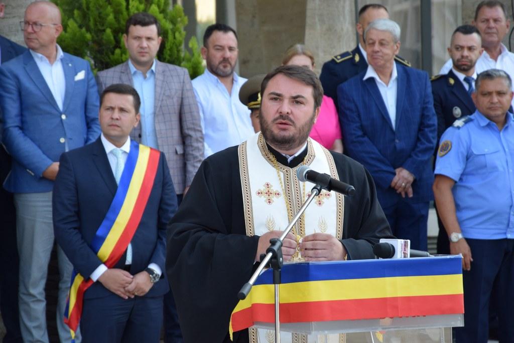 https://www.cjd.ro/storage/comunicate-de-presa/29-07-2021/4941/imnul-national-a-rasunat-astazi-29-iulie-2021-in-piata-tricolorului-din-municipiul-targoviste-11.JPG