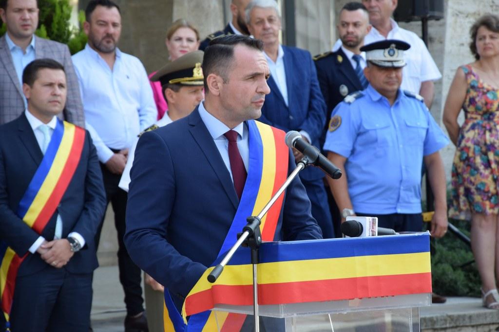 https://www.cjd.ro/storage/comunicate-de-presa/29-07-2021/4941/imnul-national-a-rasunat-astazi-29-iulie-2021-in-piata-tricolorului-din-municipiul-targoviste-12.JPG