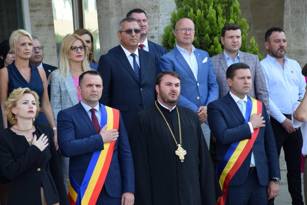 https://www.cjd.ro/storage/comunicate-de-presa/29-07-2021/4941/imnul-national-a-rasunat-astazi-29-iulie-2021-in-piata-tricolorului-din-municipiul-targoviste-7.JPG